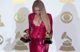 beyonce - pregnant with awards