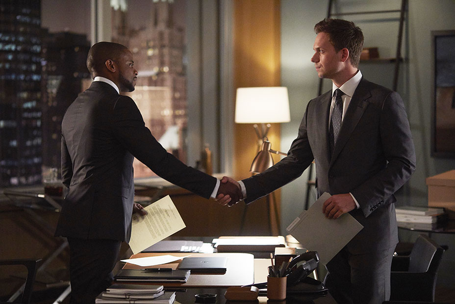 SUITS -- Episode 703 -- Pictured:  (l-r) -- (Photo by: Shane Mahood/USA Network)