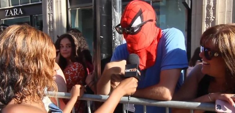 spiderman fan at premiere of spiderman-homecoming