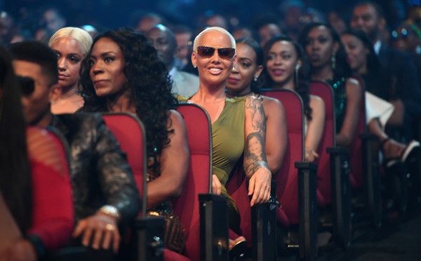 Amber Rose to file restraining order against ex Wiz Khalifa's mom