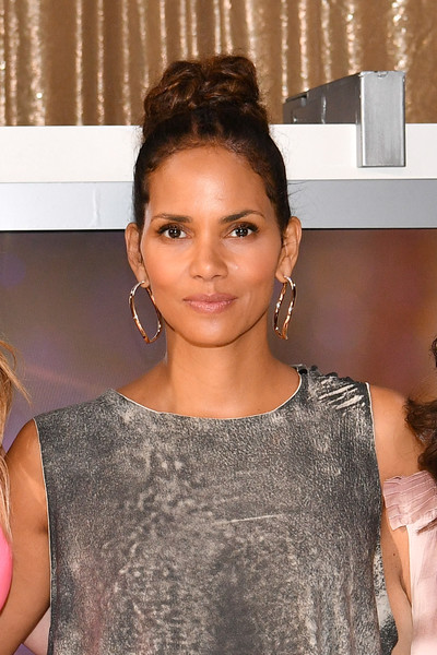 """Halle Berry attends the """"Kidnap"""" Mamarazzi screening at Time Inc. Studios on August 3, 2017 in New York City."""