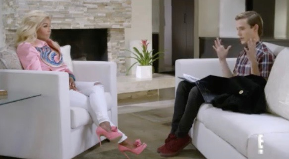 """Lil' Kim and Tyler Henry on """"Hollywood Medium With Tyler Henry"""" - E!"""