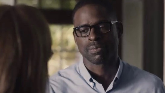 """Mandy Moore and Sterling K. Brown in """"This Is Us"""" (S2,Ep1) - NBC"""