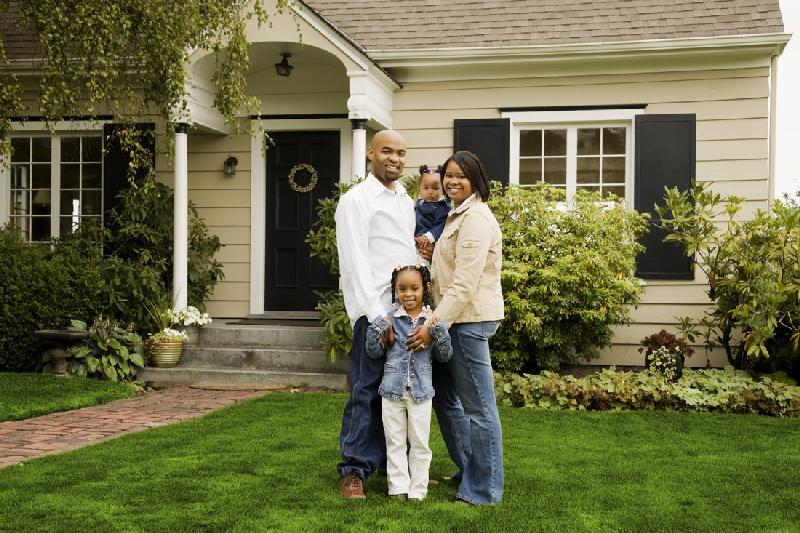 african american family - new home owners1a