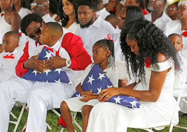 la-david-johnson-funeral-wife myeshia johnson & kids