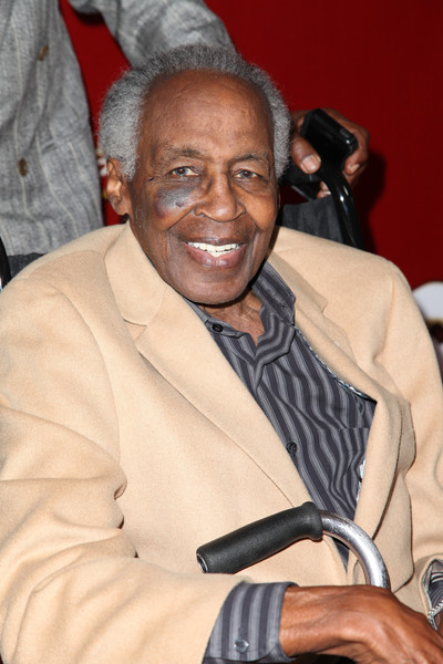 Actor Robert Guillaume arrives at the red carpet opening night of 'The Phantom of the Opera' at the Pantages Theatre on June 17, 2015 in Hollywood, California.