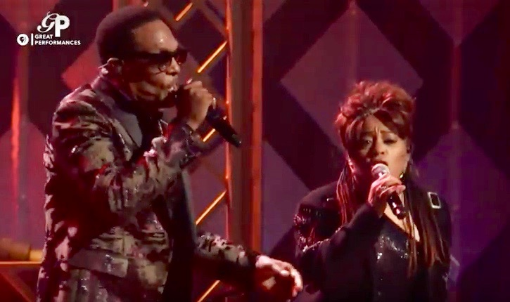 Charlie Wilson (L) and Valerie Simpson