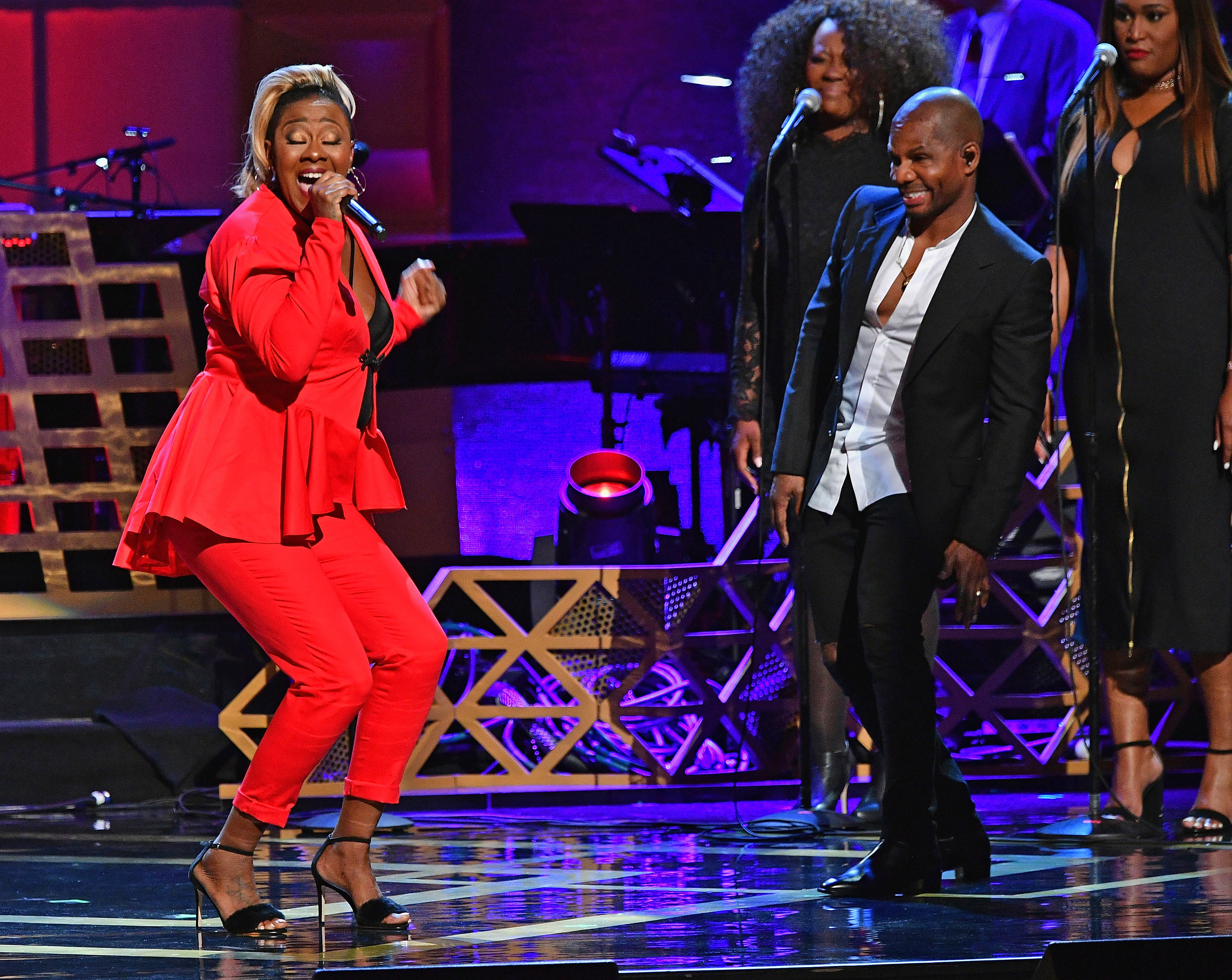 NEW YORK, NY - JULY 11:  Le'Andria Johnson performs with Kirk Franklin onstage during the GRAMMY Salute to Music Legends at Beacon Theatre on July 11, 2017 in New York City.  (Photo by Dia Dipasupil/Getty Images for NARAS)