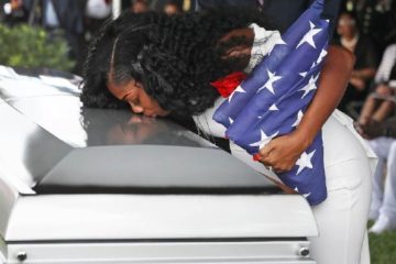 la david johnson wife myeshia johnson kissing casket