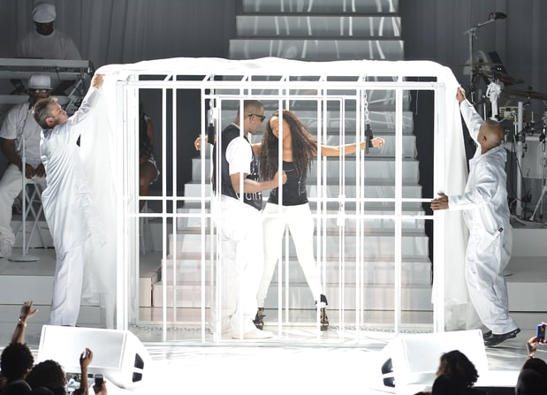 """Kelly took Jones on his 2012 """"Single Ladies"""" tour, and even included her in a skit during the performances. Vallery Jean/Getty"""
