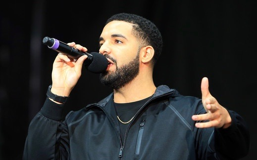 Drake says to 'Free Meek Mill' at Melbourne tour stop