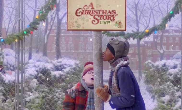 fox hosts a christmas story live laughs leg lamps cast interviews eur exclusive watch