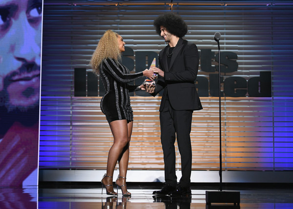 Beyoncé Surprises Colin Kaepernick to Present Him With Sports Illustrated's Legacy Award
