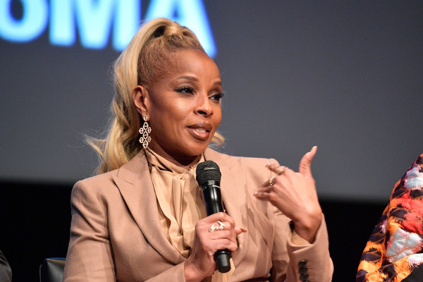 """Mary J. Blige speaks onstage during the Hammer Museum presents The Contenders 2017 """"Mudbound"""" at Hammer Museum on December 4, 2017 in Los Angeles, California."""