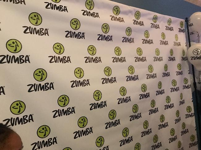 jason derulo (zumba sign)