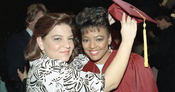 From Facts Of Life To Living Single Kim Fields Opens Up About The Highs And Lows In Her Avoiding Child Star Curse New Memoir