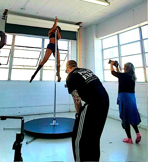 makeda smith - pole dancing2