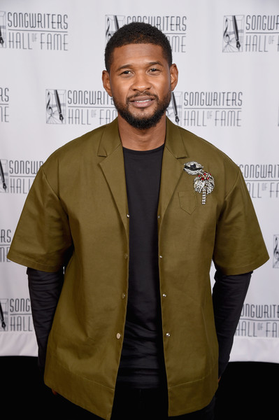Usher poses backstage during the Songwriters Hall of Fame 49th Annual Induction and Awards Dinner at New York Marriott Marquis Hotel on June 14, 2018 in New York City.