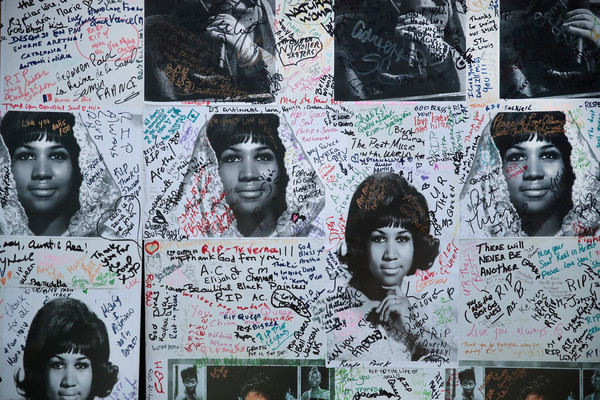 Posters signed by fans of Aretha Franklin sit outside of the Charles H. Wright Museum of African-American History where the Queen of Soul lies in repose on August 29, 2018 in Detroit, Michigan.