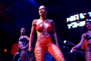 'No Wig Formed Against Me Shall Propser': Teyana Taylor Powers Through Hair Malfunction in D.C.