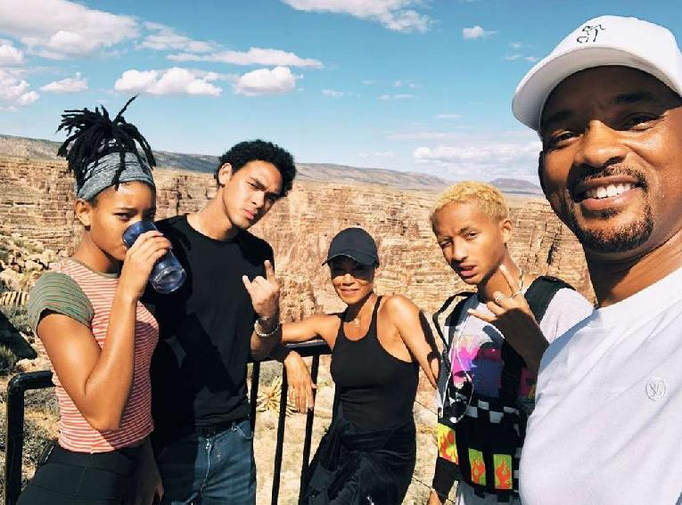Will Smith with the family before the jump