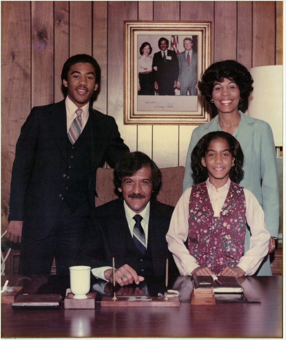 Future CEO Jenelle Ross, her brother and parents, during her adolescence. (photo credit: JR)