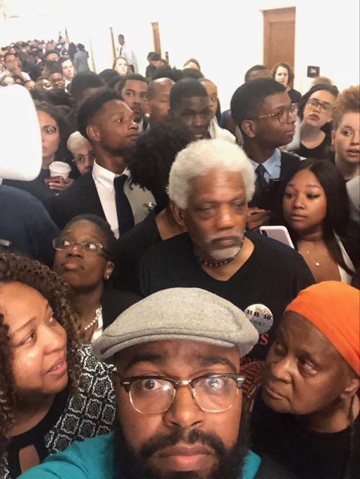 ados - reparations - congress hallway2 - lots of people - close up.JPG.jpeg