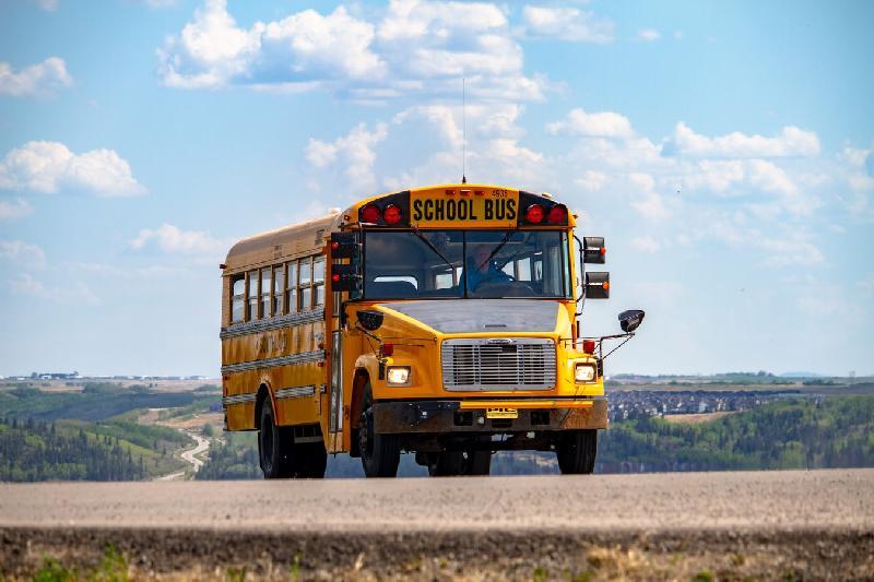 school - schoolbus - unsplash