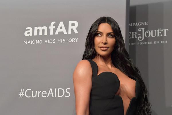 Kim+Kardashian+amfAR+New+York+Gala+2019+Arrivals+Pz5GH0HiJygl