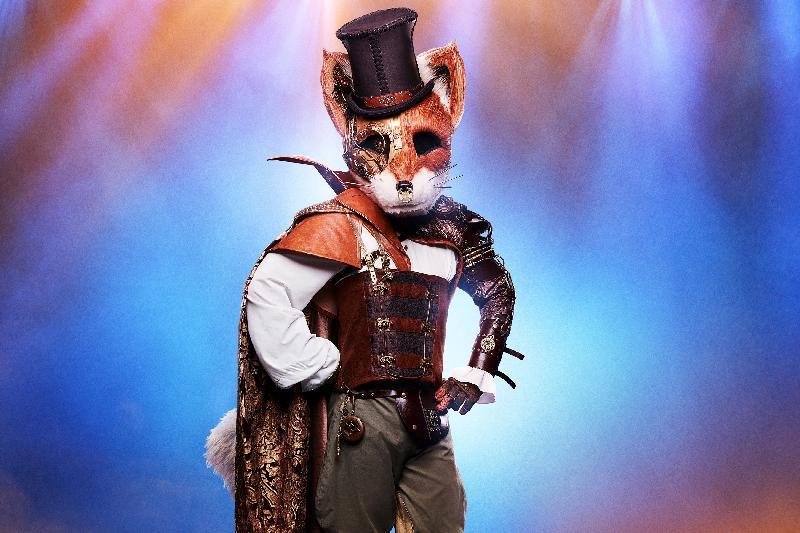 masked singer wayne brady as mr fox-(photo-michael brecker-fox)