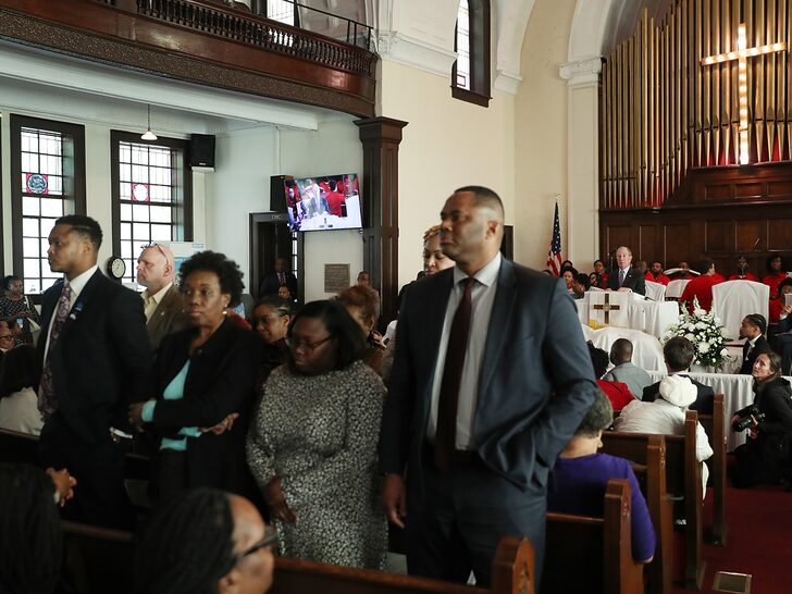 A group of congregants in Selma, Ala., stood up and turned their backs on Mike Bloomberg as the Democratic presidential candidate addressed their church on Sunday.