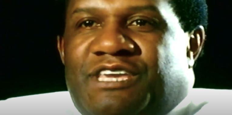 Willie Davis (screenshot1)