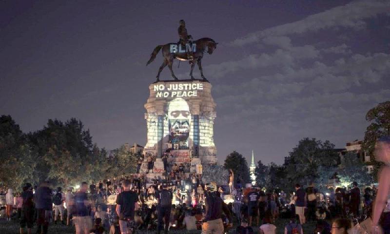Robert E Lee-Monument-1 (1)