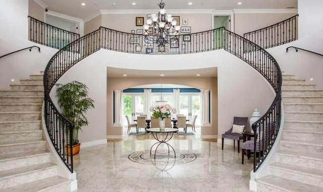 T.D. Jakes' Daughter ( Sarah Jakes Roberts) Buys Calabasas Mansion