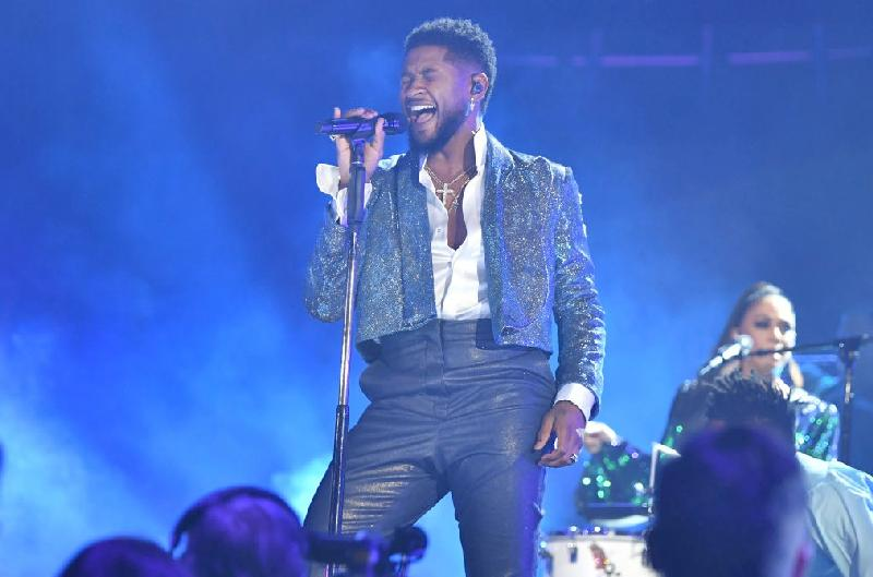 Usher performing1 - Getty