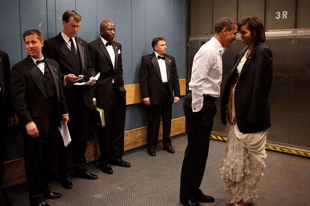 barack & micehelle-obama-pete-souza-flickr-082616