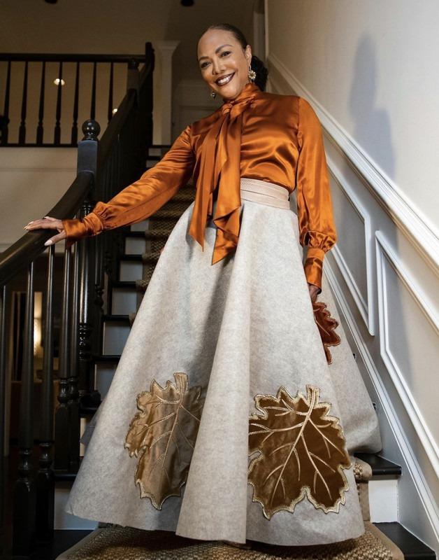 Lynn Whitfield dress1 - 4-A5476-AF-766-C-4070-AEE0-E086182-DB9-DE