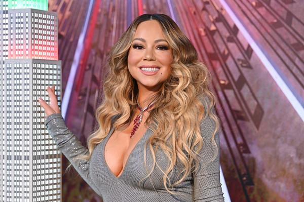 Mariah+Carey+Mariah+Carey+Lights+Empire+State+nwsS0YW0VpIl