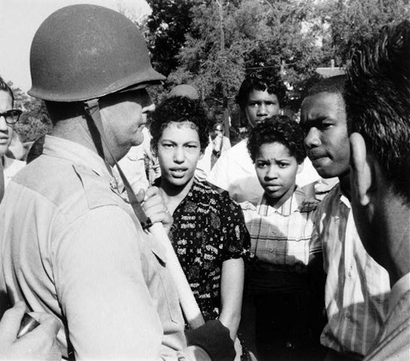 National-Guardsman-prevents-Walls-Ray-Hill-and-Green-Sept-4-1957.-Will-counts-Courtesy-of-Arkansas-History-Commission