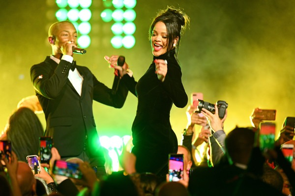 Pharrell+Williams+Rihanna+5th+Annual+Diamond+jQG8cEkEnjFl