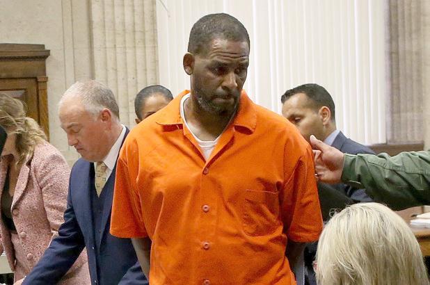 R Kelly - jail orange in court