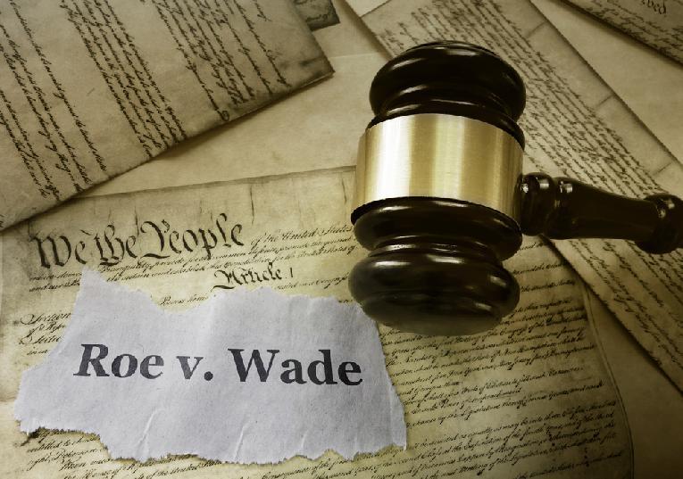 Roe v Wade - Depositphotos_213281620_s-2019