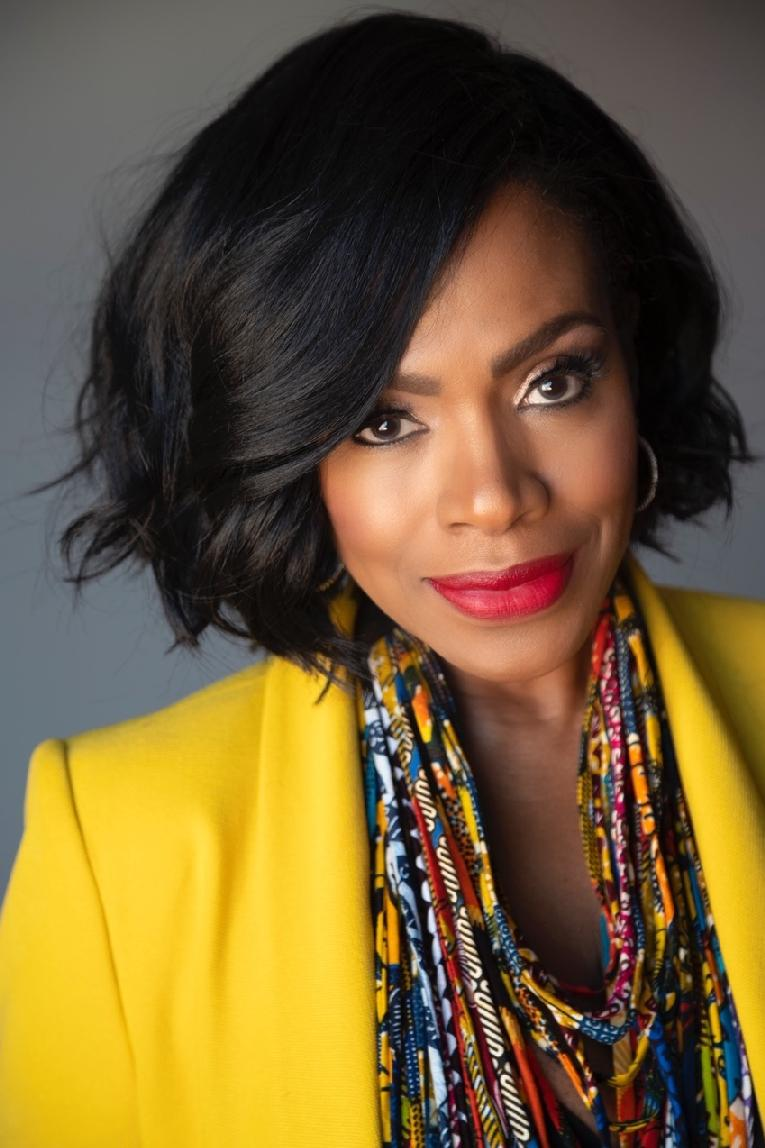 Sheryl Lee Ralph - yellow jacket