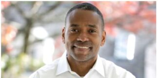 Black Photographer to Record VP-elect Kamala Harris' Tenure