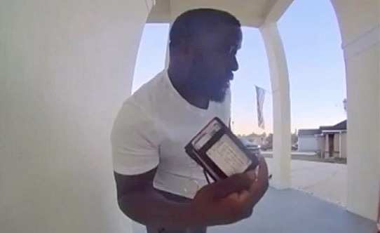 Good Samaritan returns lost wallet in Jacksonville, Florida