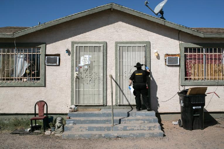 Getting eviction notice - GettyImages-1279352246-1000x667