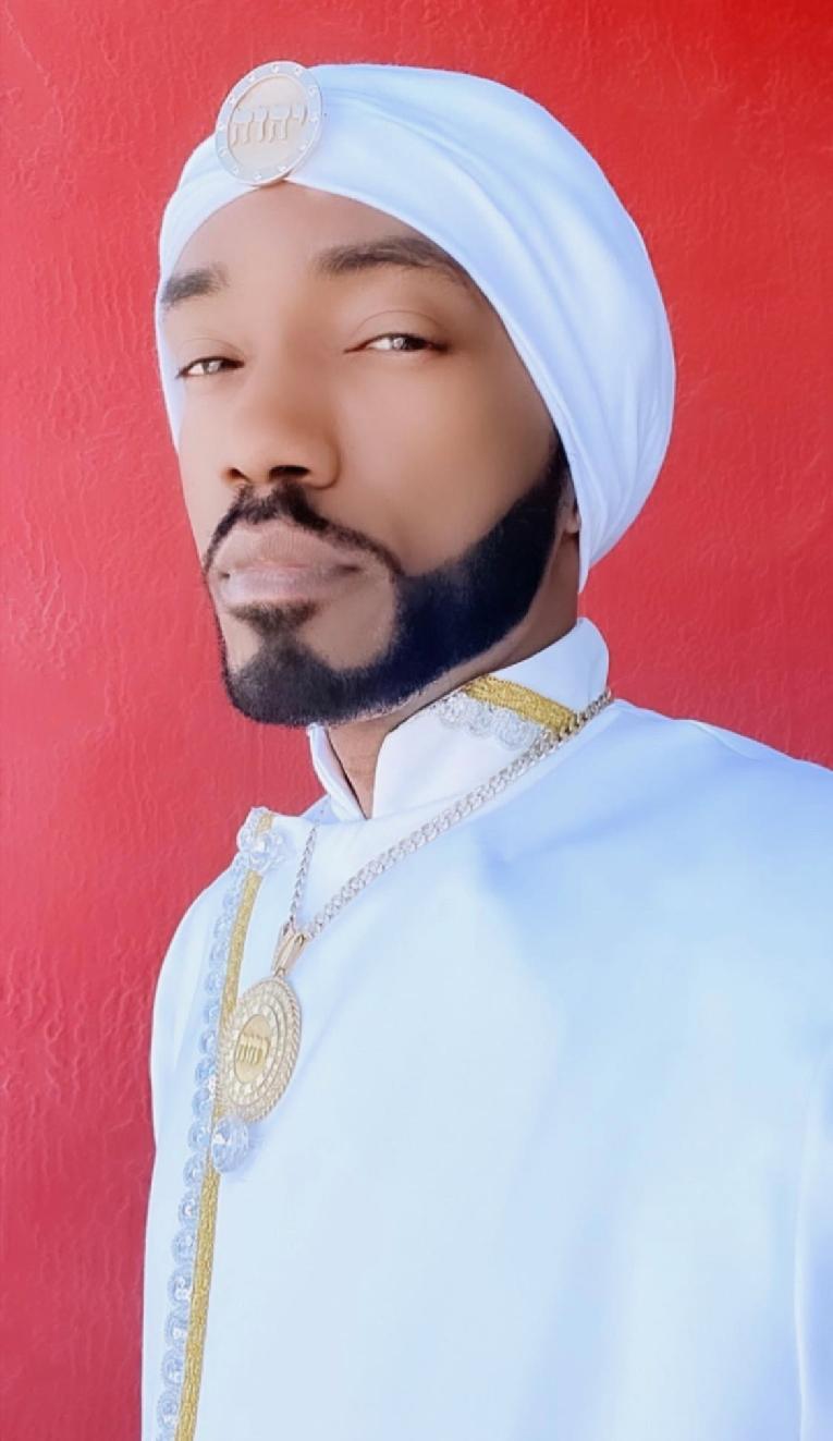 King Yahweh (red bgrd)