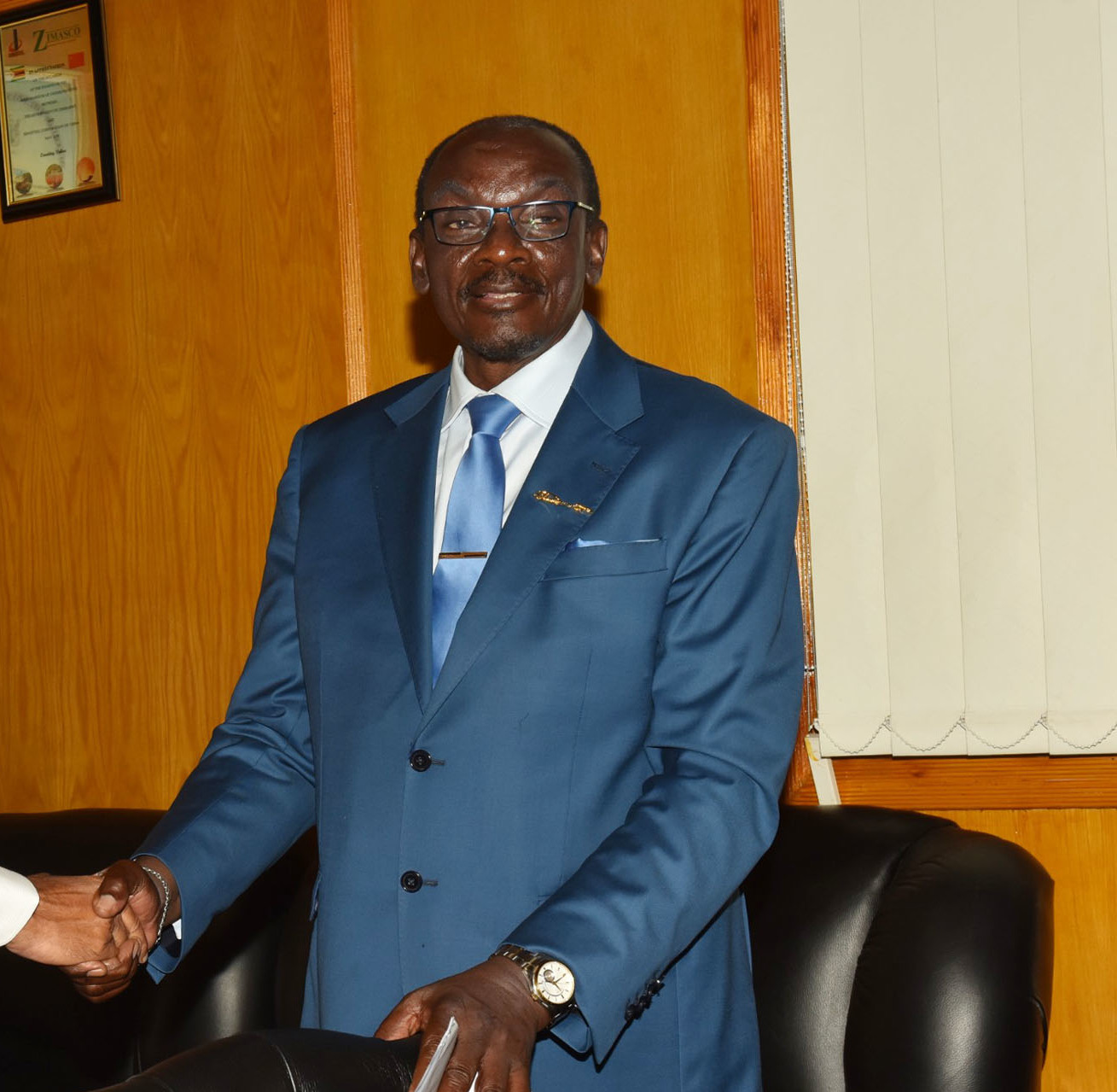 Vice_President_of_Zimbabwe_Mr._Kembo_Mohadi_at_the_Munhumutapa_Building_in_Harare_Zimbabwe_on_November_03_2018_cropped