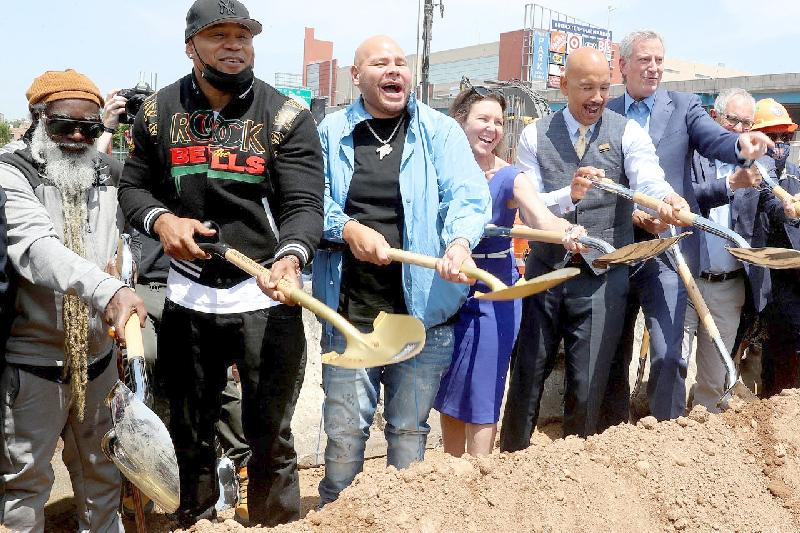 Fat Joe - LL Cool J - Mayor DeBlasio and-More-Break-Ground-With-the-Universal-Hip-Hop-Museum-in-the-Bronx-B