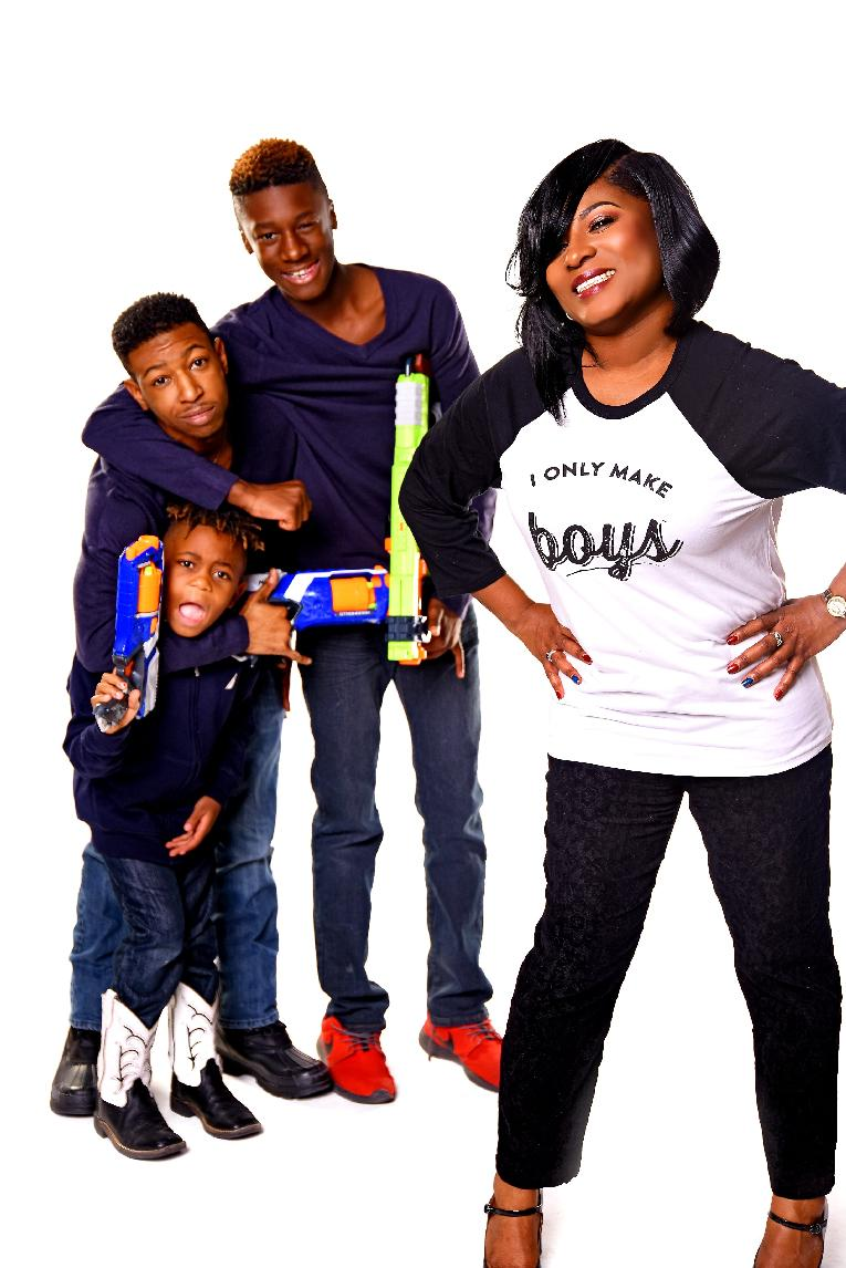Tamecca Rogers WITH HER BOYS-min